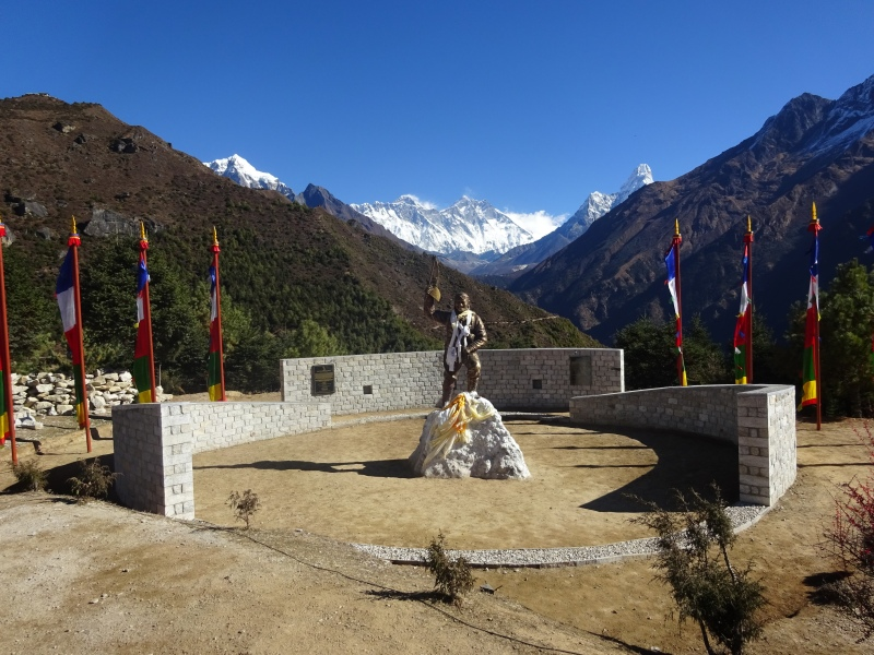 Everest is on the left, Lhotse is on the right