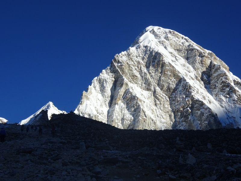 Pumori (7,161 m) in the sun